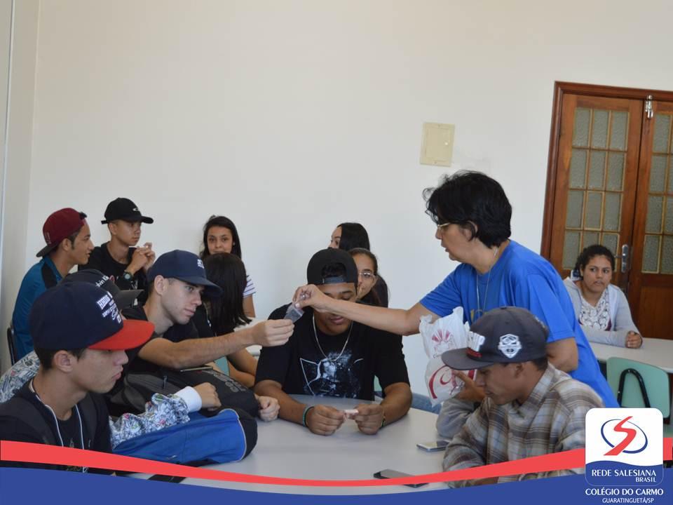 Alunos do Instituto Rodrigues Alves visitam Colégio do Carmo