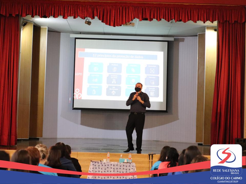 Educadores participam de treinamento sobre a LGPD e processos de Gestão
